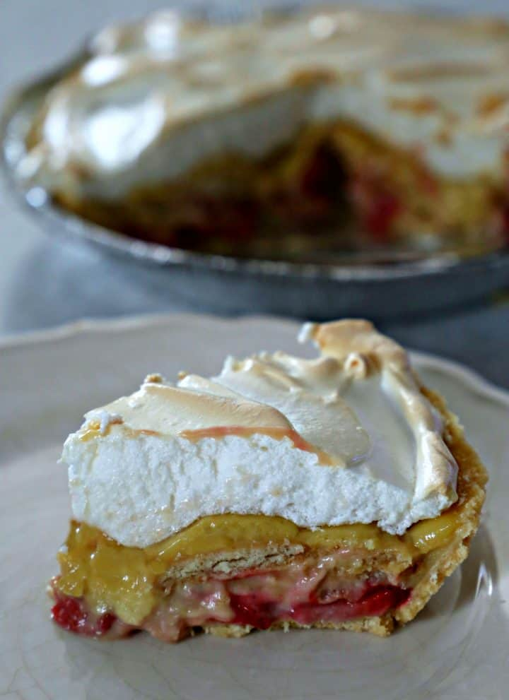 Strawberry Pudding Pie