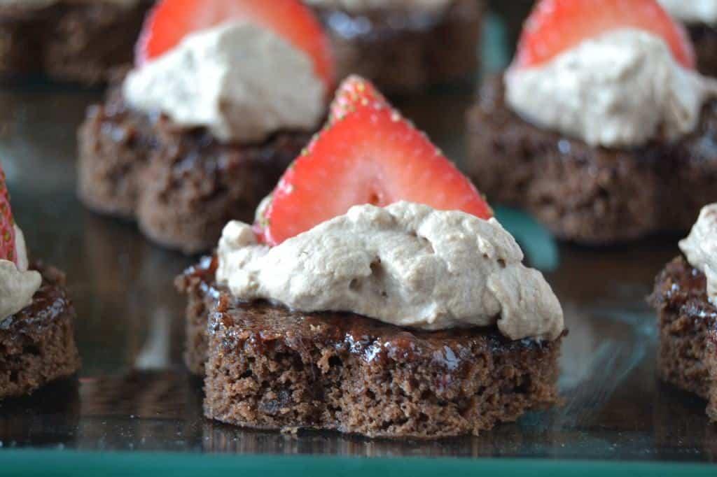Berry Brownie Bites