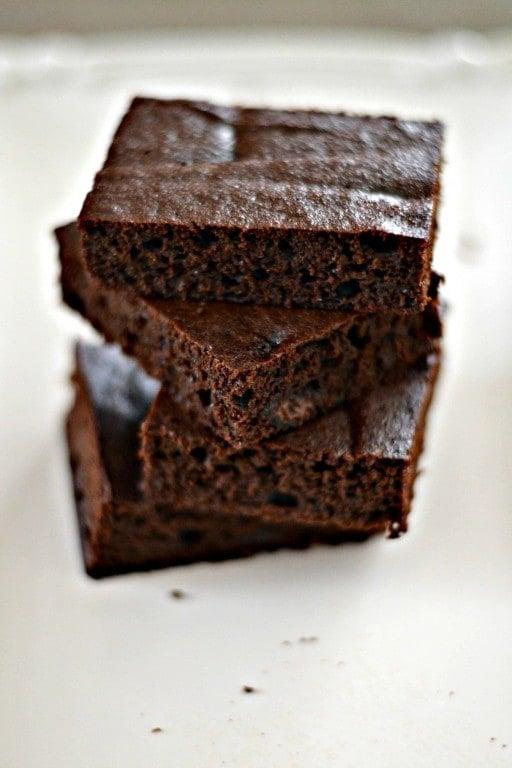 Paleo Dark Chocolate Cake Brownies