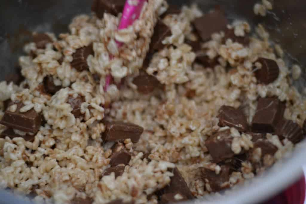 making crispy rice treats