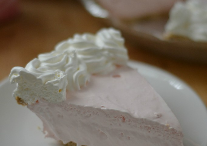 Strawberry Cream Cheese Pie & Mocha Pudding Pie