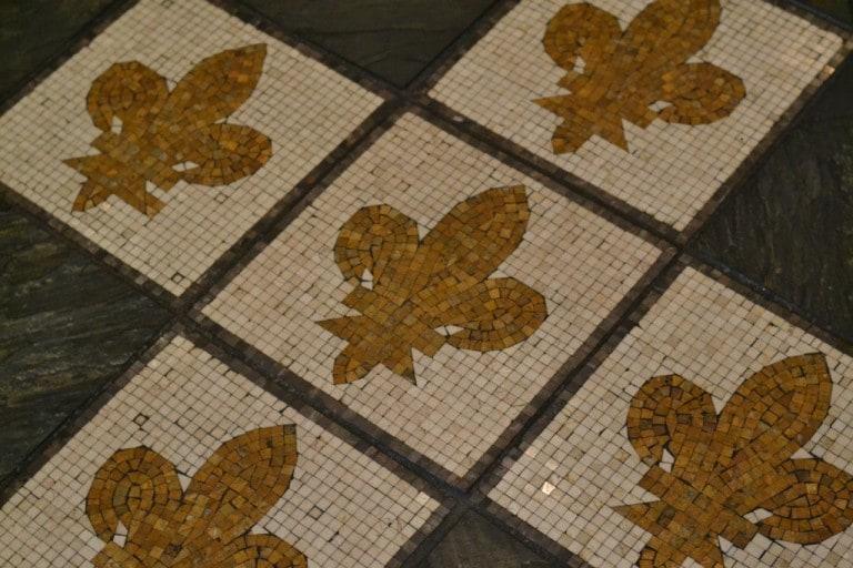 Fleur de Lis tile floor