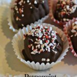 Peppermint Oreo Balls | SouthernKissed.com