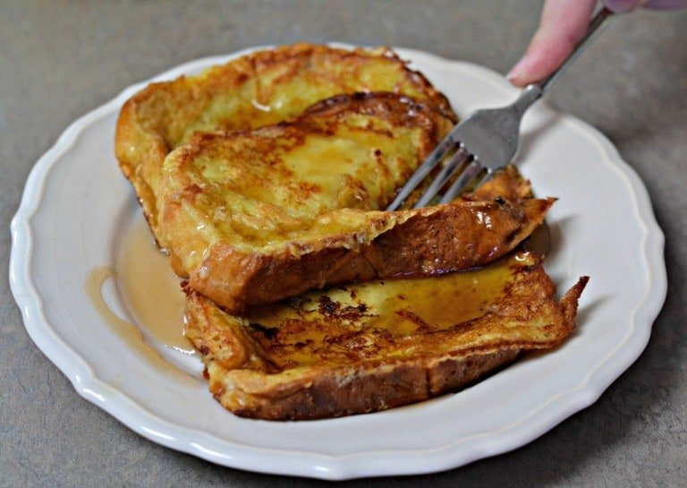 Brioche French Toast - A simple, delicious breakfast - who knew that making French toast could be so easy?