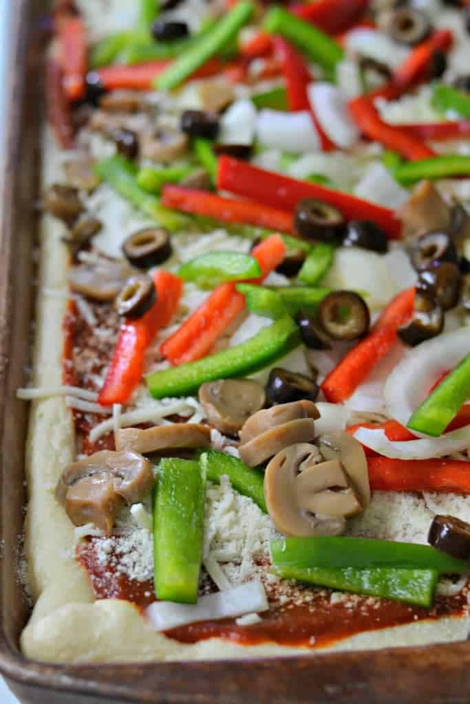 Thin Crust Veggie Pizza with Homemade Pizza Sauce | SouthernKissed.com