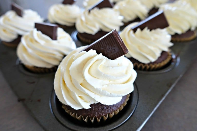 Peppermint Cupcakes with Buttercream Icing
