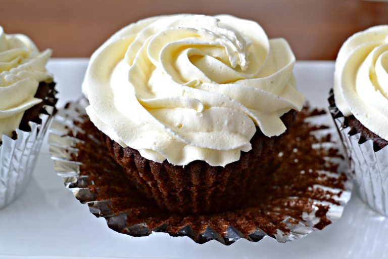 cupcakes with homemade vanilla frosting