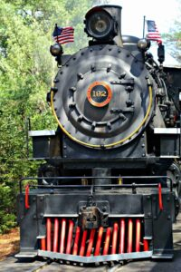 Why Go To Dollywood in Pigeon Forge?