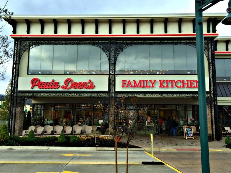 Paula Deens Family Kitchen