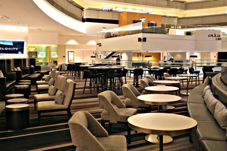 Dining area in the Atlanta Marriott Marquis