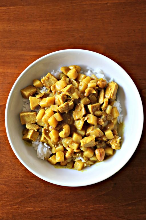 Massaman Curry -in a hurry! This delicious Thai dish is ready in under 30 minutes, making it perfect for a weeknight meal. #Back2SchoolSuccess #ad