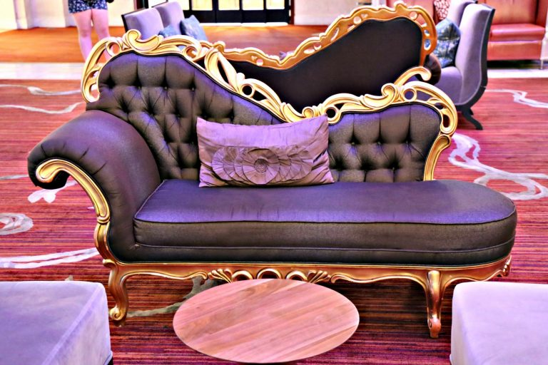 Settee at Renaissance Pittsburgh