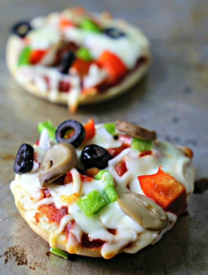 baked-pizza-bagel-bites
