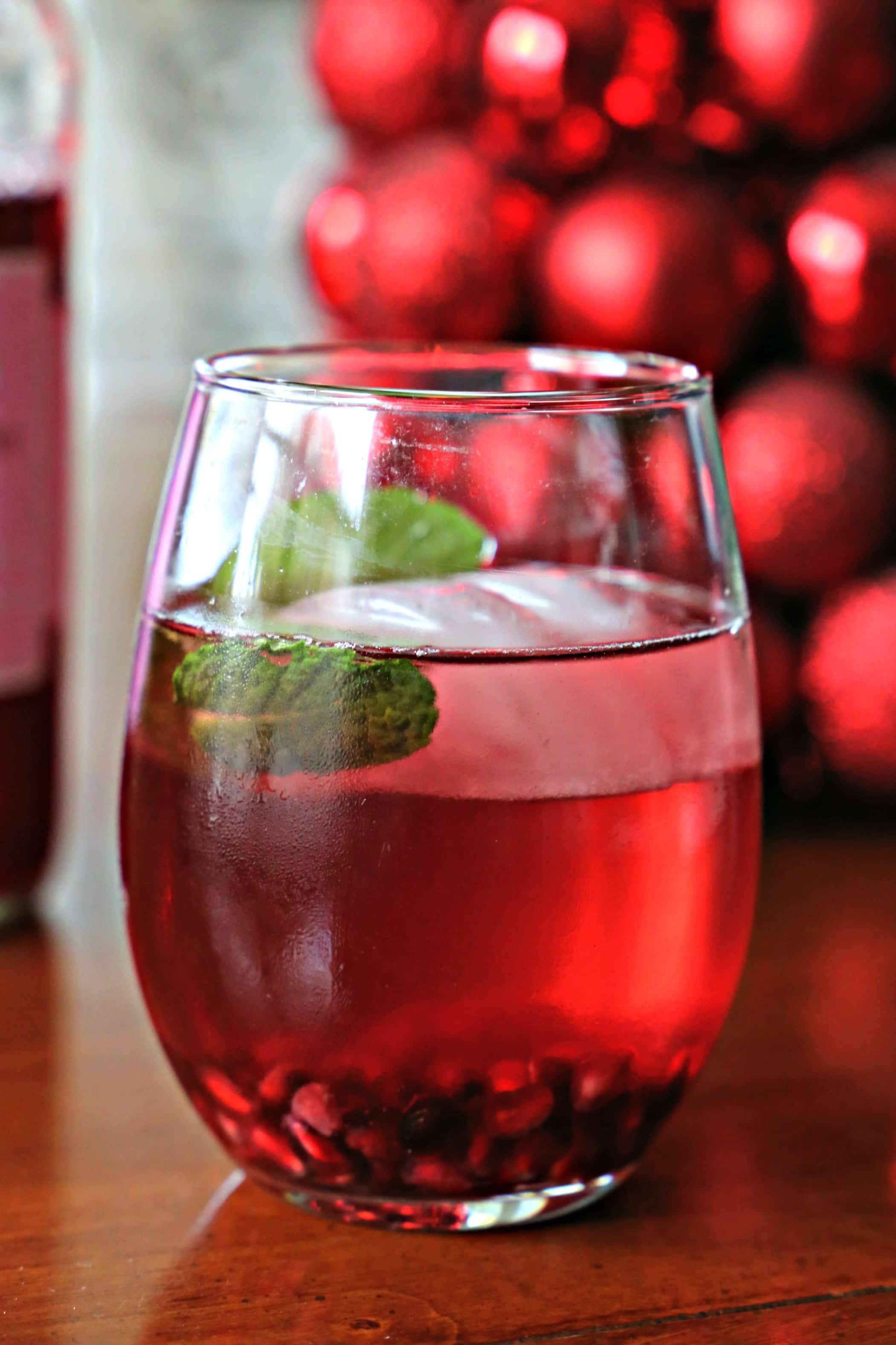Merry Pomegranate Spritzer