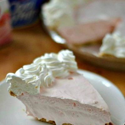 Strawberry Cream Cheese Pudding Pie