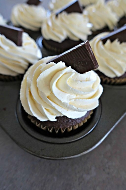 Chocolate Peppermint Cupcakes with Buttercream Frosting