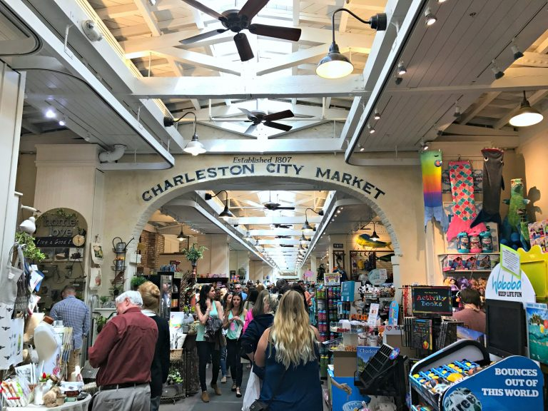 Charleston City Market - Have only one day in Charleston? Check out these tips for making the most of your time in the holy city. #ExploreCharleston