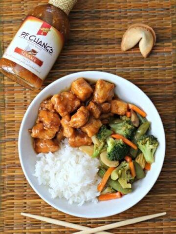 bowl of sesame chicken