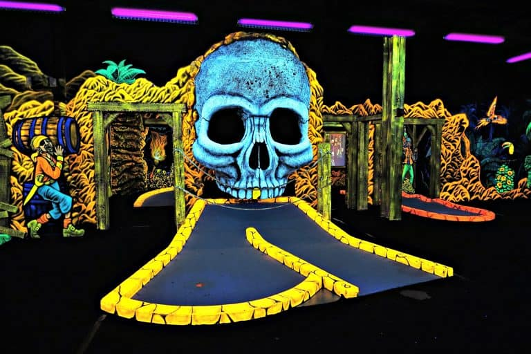 Pirate Golf skull