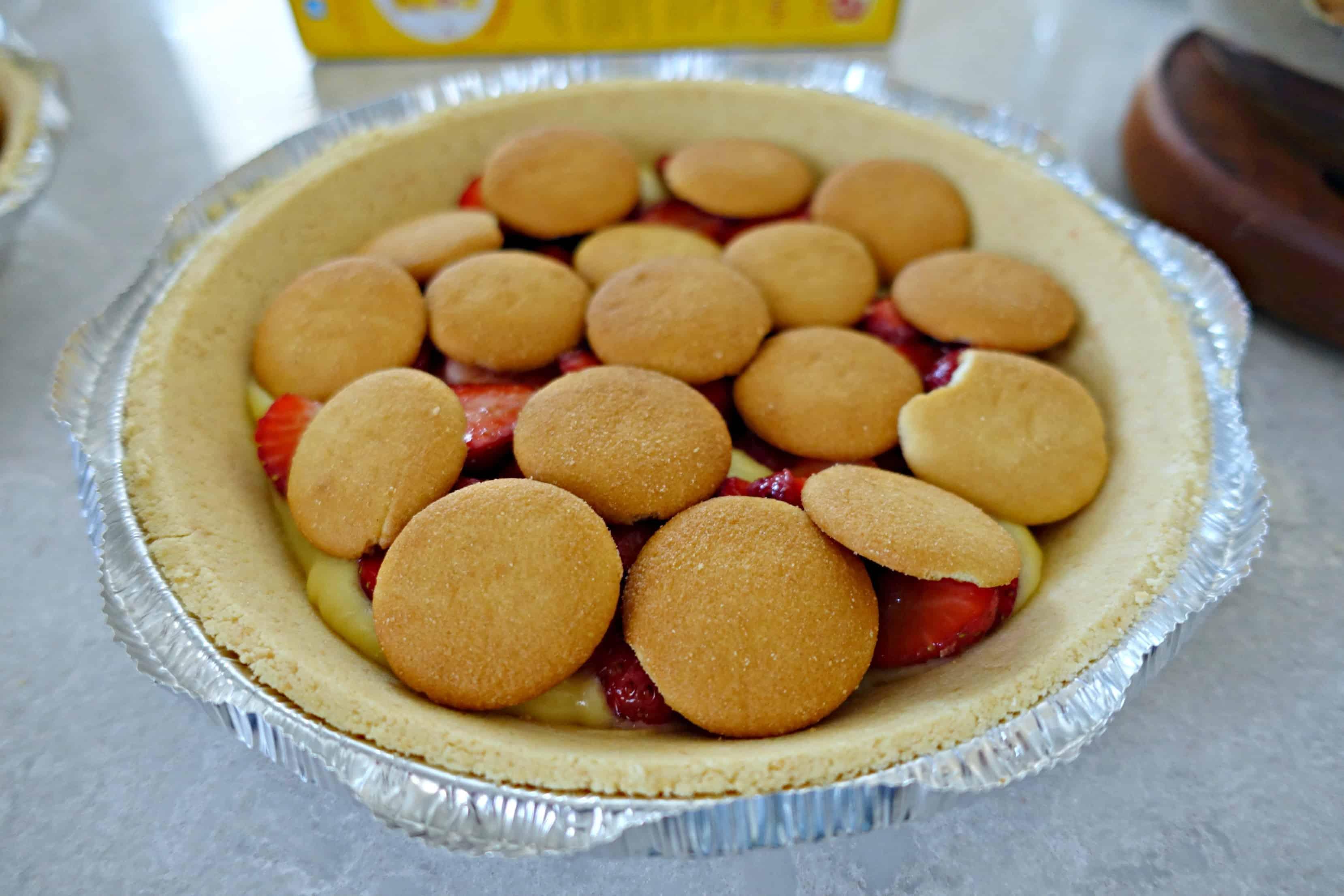 layer of vanilla wafers in pie crust