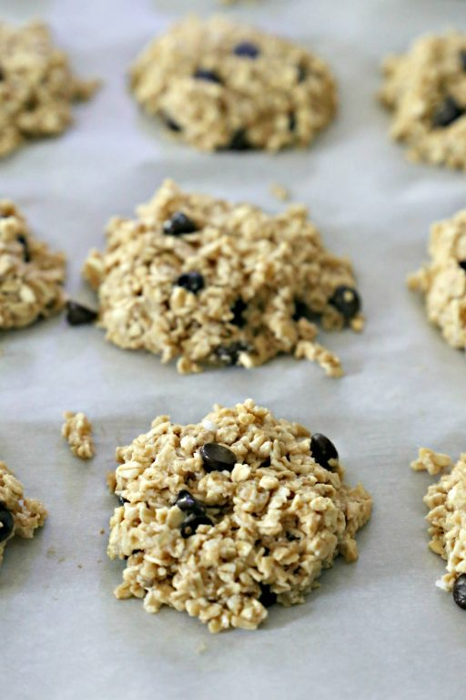 No-Bake Oatmeal Peanut Butter Chocolate Chip Cookies