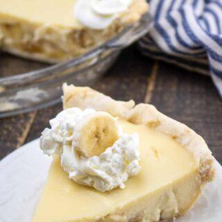 slice of banana cream pie
