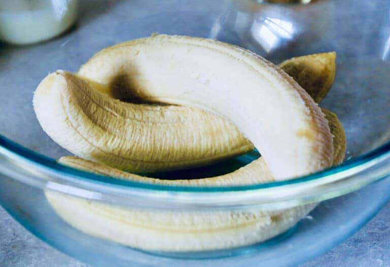 bowl with bananas