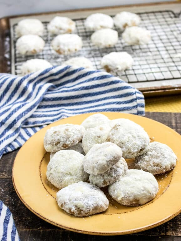 plate with powdered spice cookies
