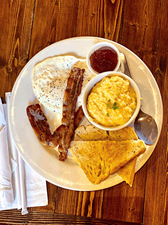 The Downtowner breakfast platter