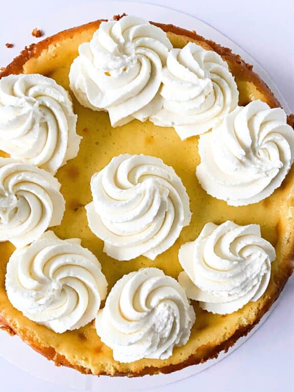 banana cheesecake with whipped topping