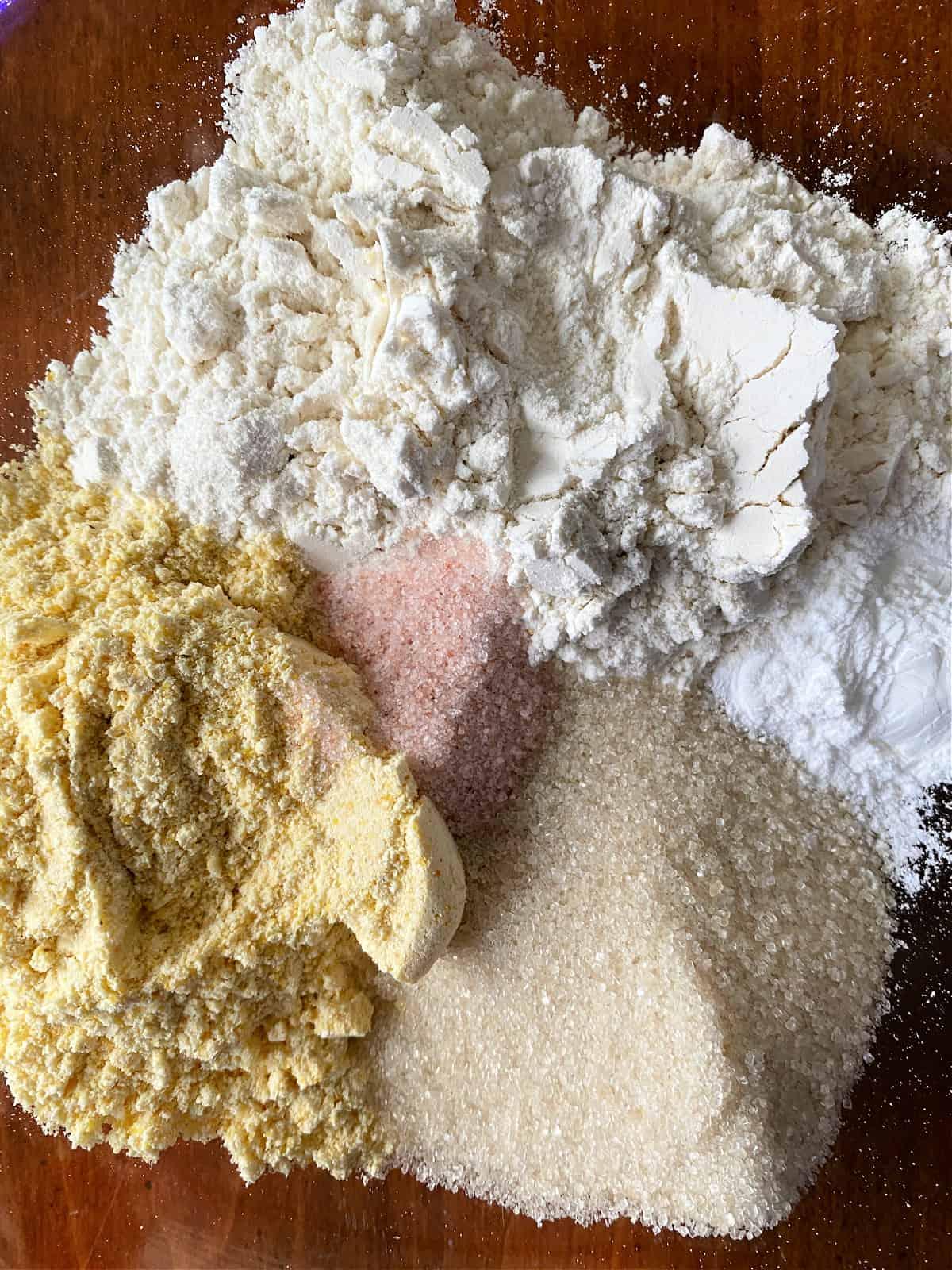 dry ingredients to make cornmuffins