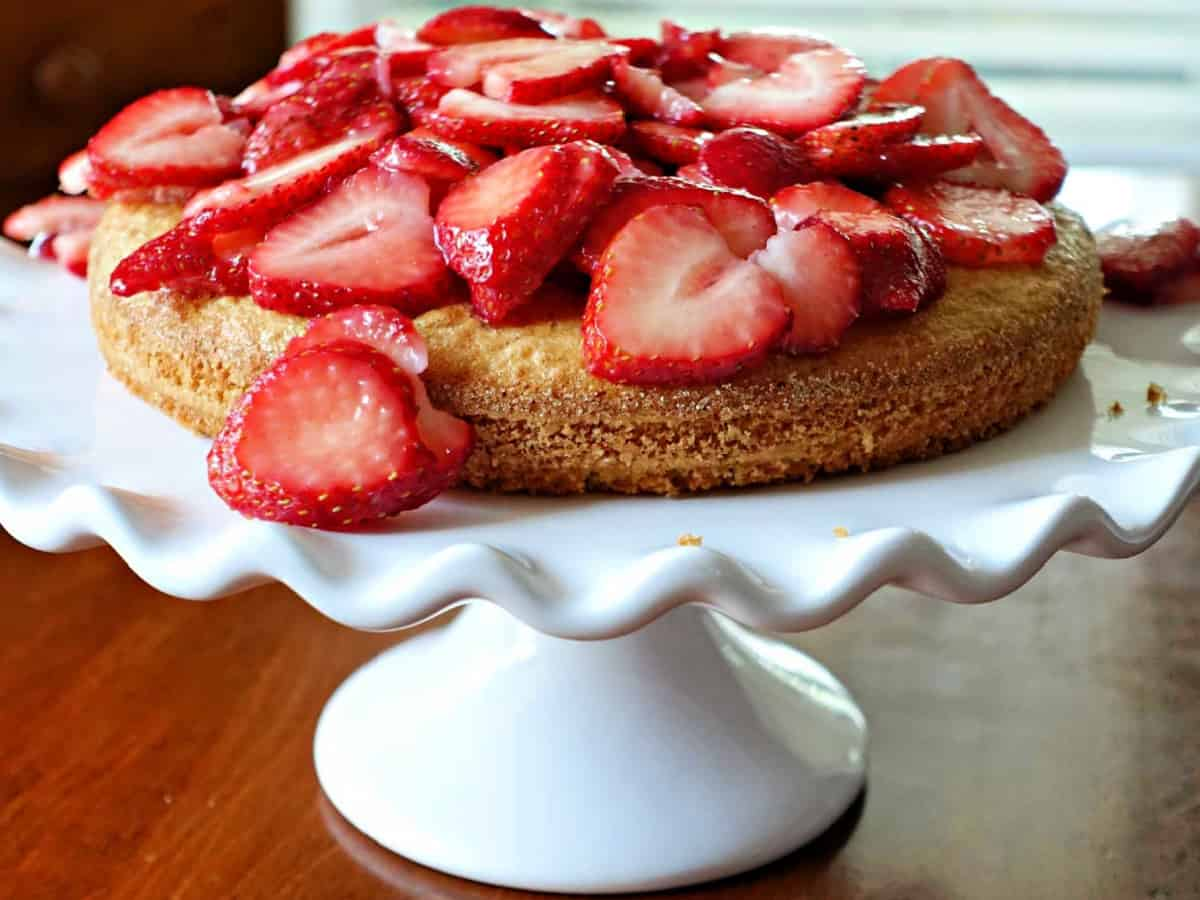 almond flour cake with strawberries on top