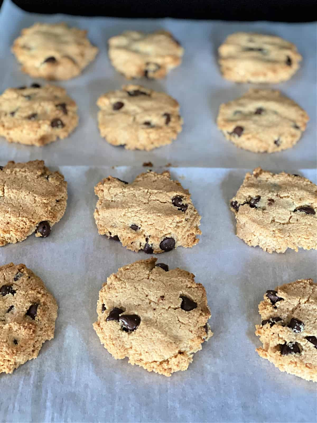 baked chocolate chip almond flour cookies
