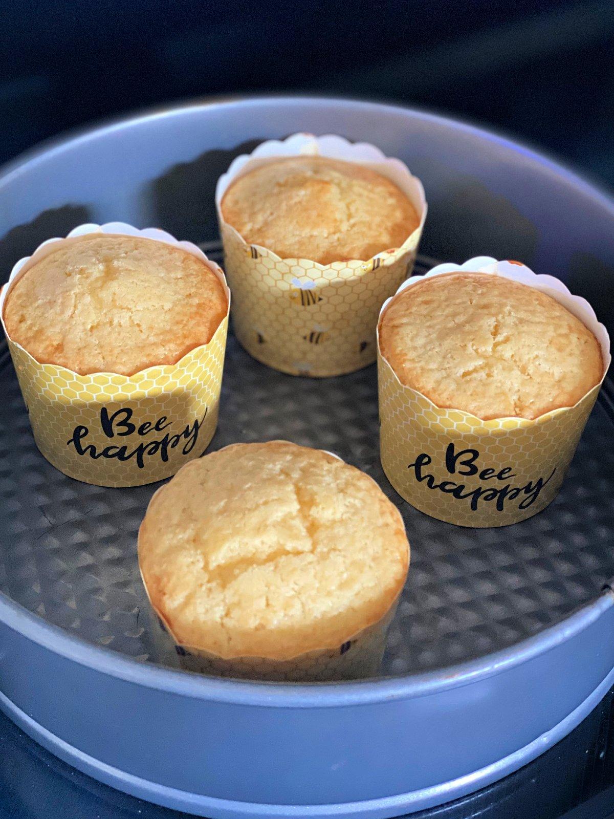 baked lemon cupcakes