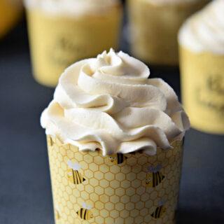 lemon cupcakes with vanilla buttercream