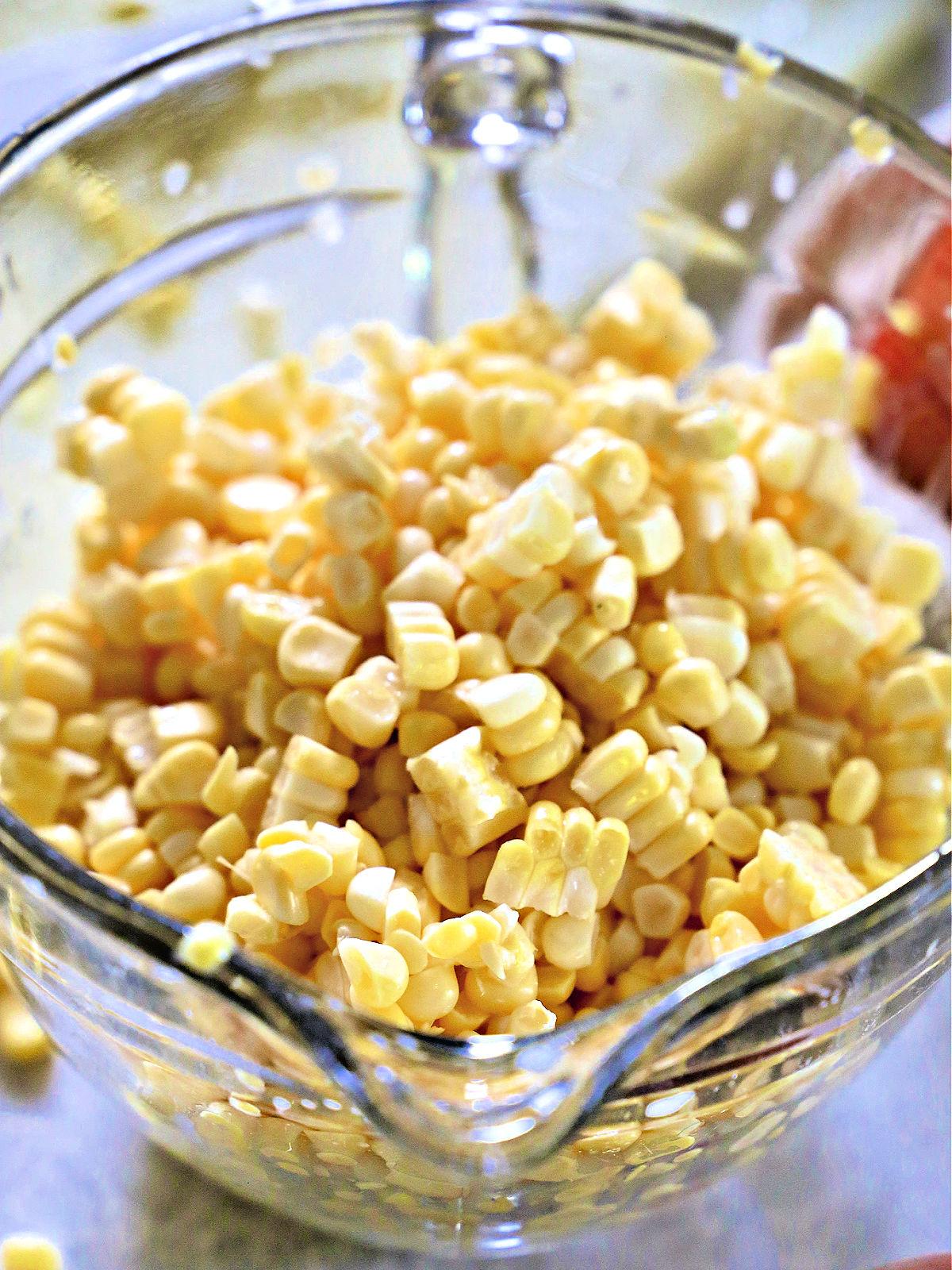 bowl of corn cut off of a cob