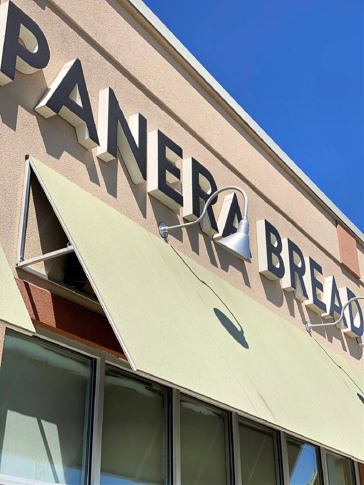 The front of Panera Bread restaurant.